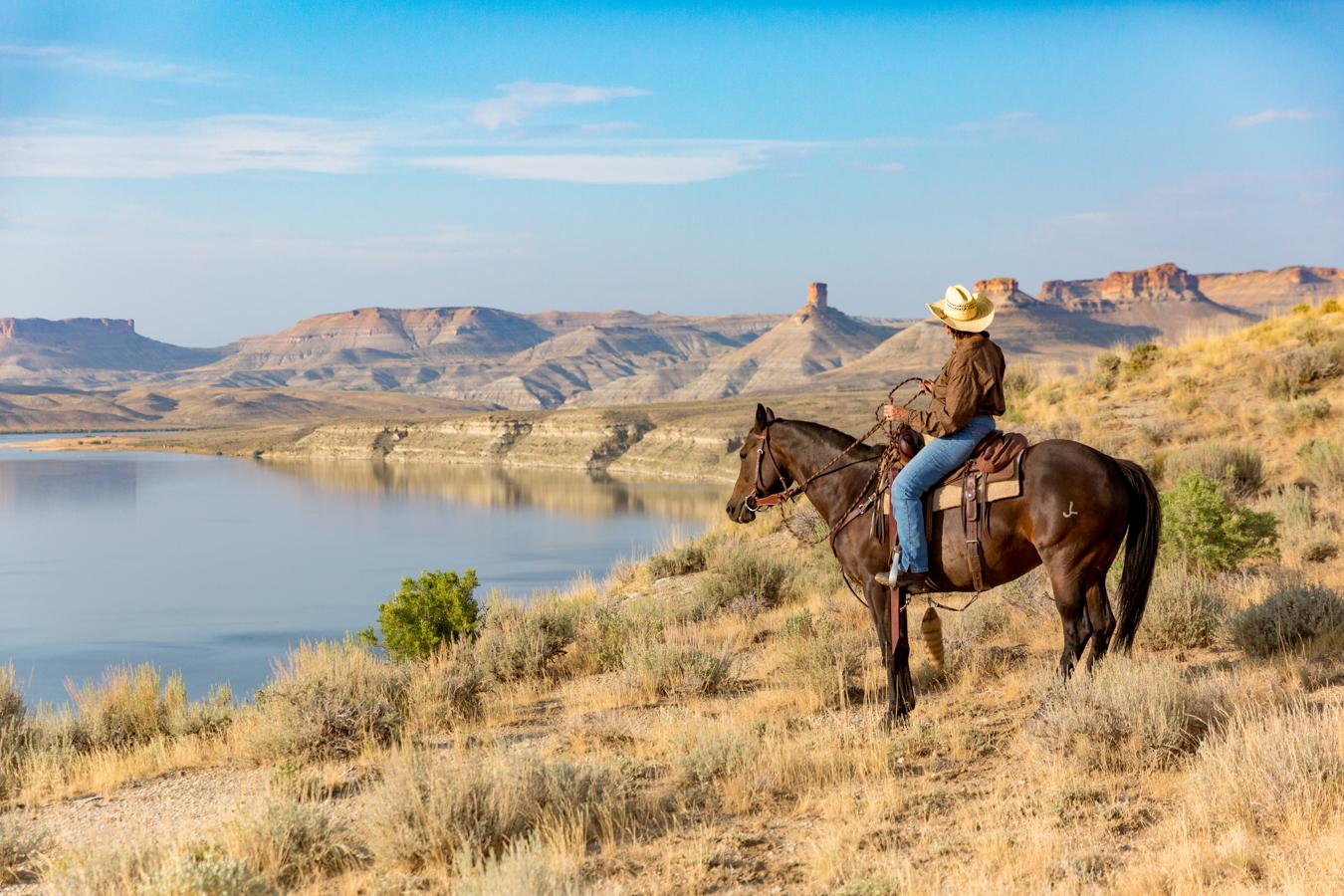 8.8_Sweetwater_FlamingGorge_Horseback