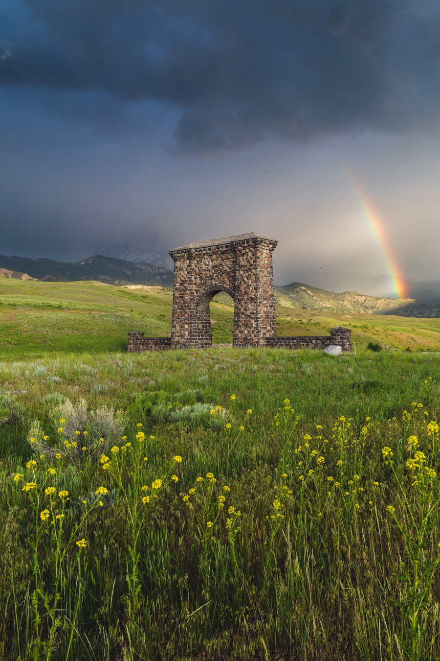 Yellowstone Country Roosevelt Arch